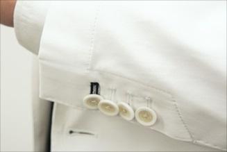 ドクターの白衣は品質に自信を持つklugで